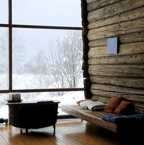 Дизайн на планинска къща с големи прозорци