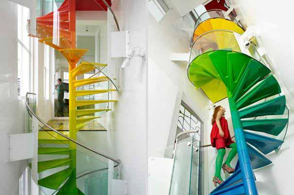 Цветно вито стълбище