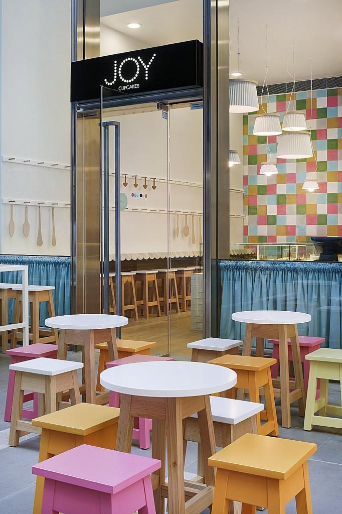 Интериорен дизайн на магазин за сладки