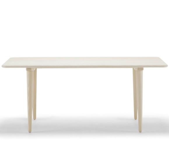 Продуктов дизайн на маса